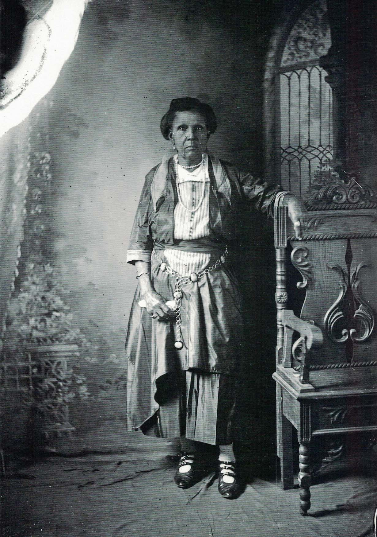 Unidentified woman in Roberts' studio, 1920s