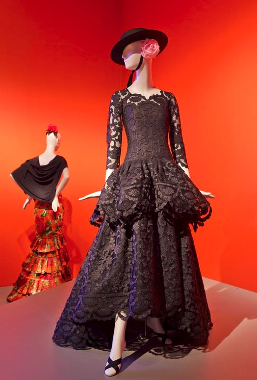 Dress made for Annette de la Renta, 2005